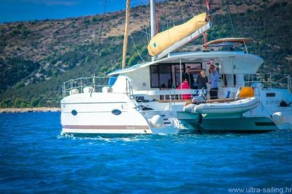 Rental Catamaran Fountaine Pajot Lipari 41 Trogir