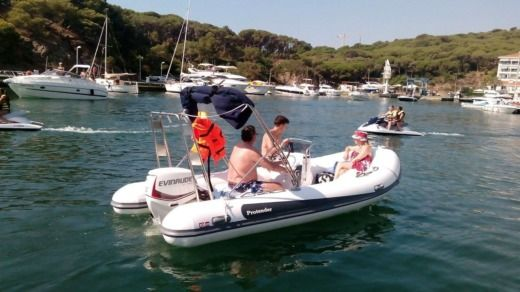 Prontender Hsf 520 in Platja d'Aro for hire