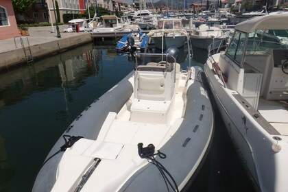 Location Semi-rigide JOKER BOAT Clubman 22 Grimaud
