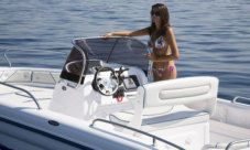 Motorboat Ranieri International Voyager 22 for rental