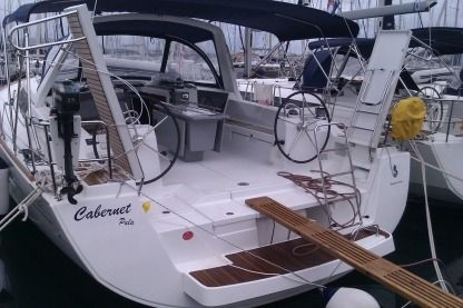 Rental Sailboat Beneteau Oceanis 45 Pomer