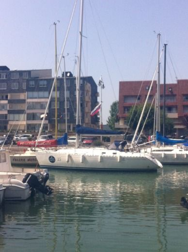 Sailboat Dufour 36 Classic for hire