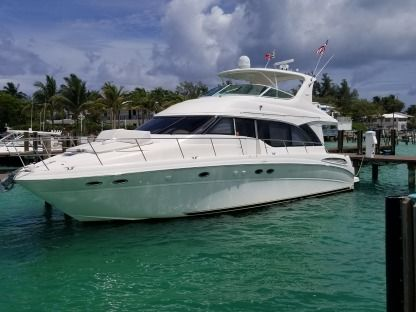 Charter Motorboat Sea Ray 540 Cockpit Motor Yacht Fort Lauderdale