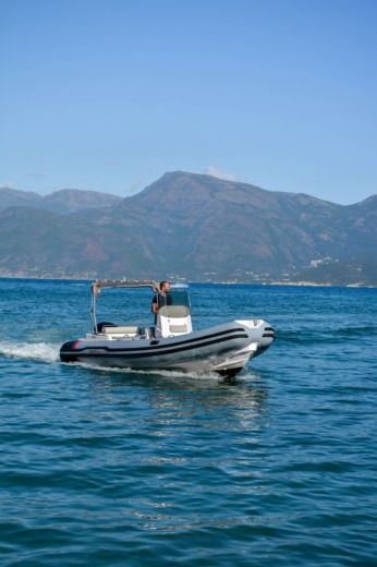 Italboats Predator 650 Ts in Saint-Florent for hire