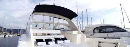 Charter Motorboat Riviera 48 Express Cavalaire-sur-Mer