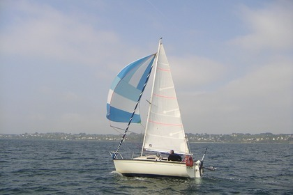 Rental Sailboat BENETEAU FIRST 18 Brest