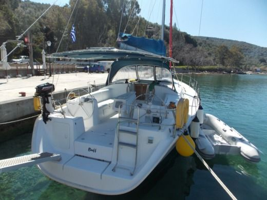Sailboat Benteau Cyclades 43.3 for hire