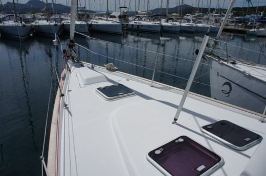Sailboat Beneteau Oceanis 473