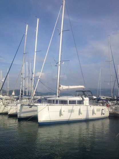 Location Catamaran Lagoon Lagoon 400 Rhodes