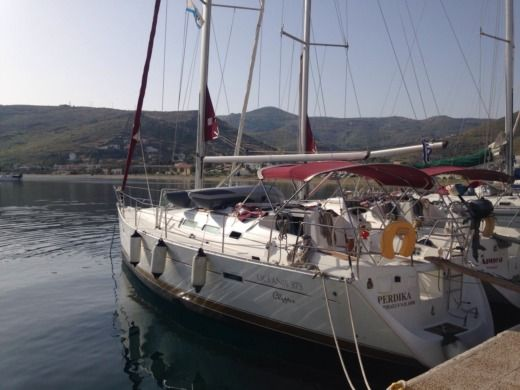 Sailboat Beneteau Oceanis 373 Clipper for hire