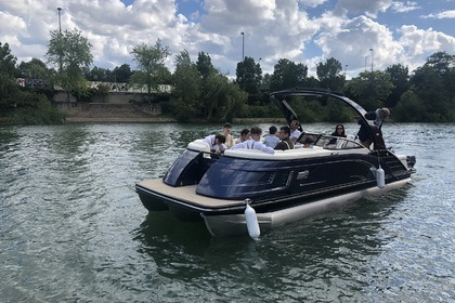 Аренда Моторная яхта Bennington Pontoon boat Ножан-Сюр-Марн