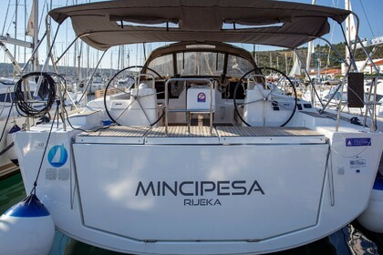 Charter Sailboat DUFOUR 460 Grand Large Mincipesa Primošten