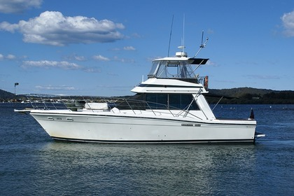 Hire Motorboat Riviera Fly Bridge 44 Sydney