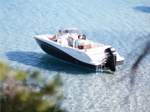 QuickSilver 675 OPEN in Makarska peer-to-peer