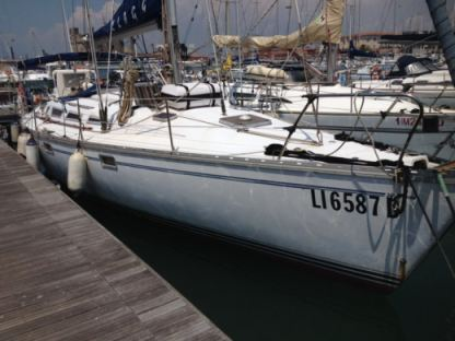 Charter Sailboat Jeanneau Sun Magic 44 Livorno