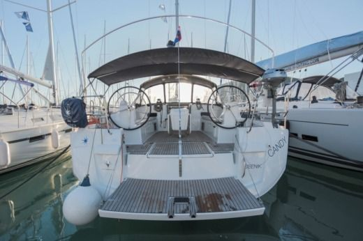 Sailboat Jeanneau Sun Odyssey 509 for hire