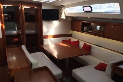 Rental Sailboat BENETEAU OCEANIS 50 Laurium