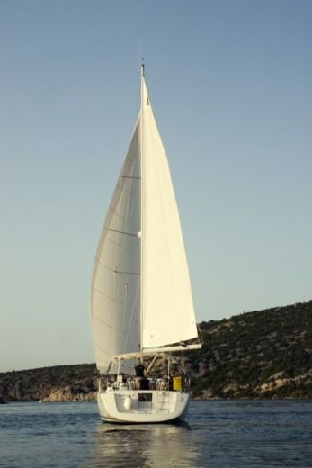 Sailboat SPBI - Beneteau Oceanis 43 Family peer-to-peer