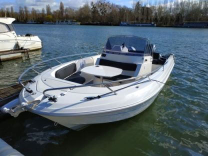 Rental Motorboat Pacific Craft Open 670 Paris