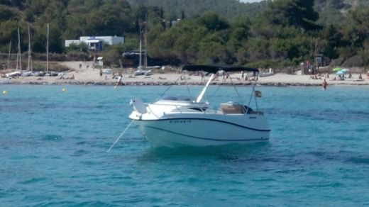 Motorboat QUICKSILVER ACTIV 455 CABIN for hire