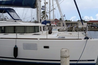 Hire Catamaran LAGOON 440 Rodney Bay