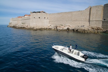 Hire Motorboat QUICKSILVER Activ 675 Open Dubrovnik