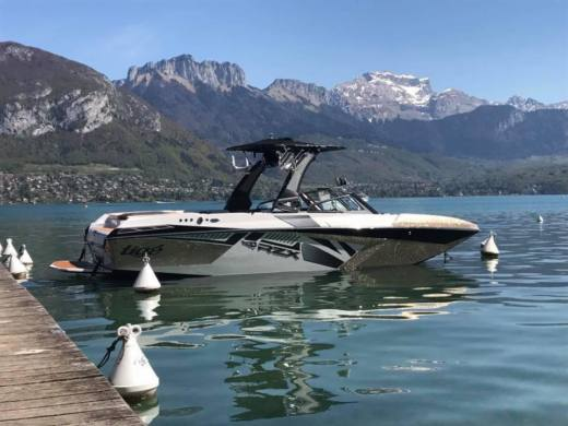 Tigé Rzx3 in Annecy for hire