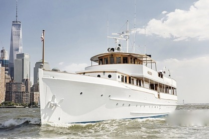 Rental Motor yacht Winslow 122 Sag Harbor