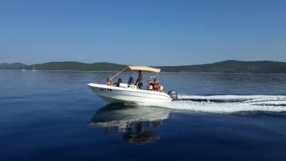 Charter Motorboat Sessa Key Largo 17 Ugljan