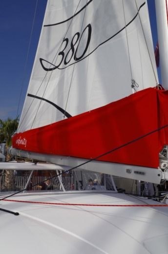 Charter catamaran in Six-Fours-les-Plages peer-to-peer