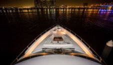 Motorboat Dubai Marine 88Ft