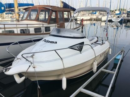 Rental Motorboat Quicksilver 510 Cruiser Le Grau-du-Roi
