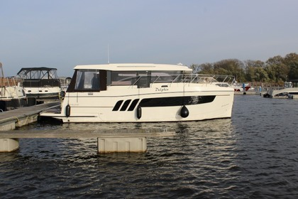 Charter Motorboat Delphia Escape 1150 Brandenburg