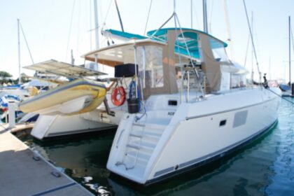 Location Catamaran Lagoon Lagoon 421 Le Havre