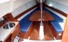 Sailboat Jeanneau Sun 2500 for hire