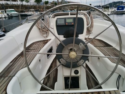 Sailboat Bavaria Crusier 38 for hire