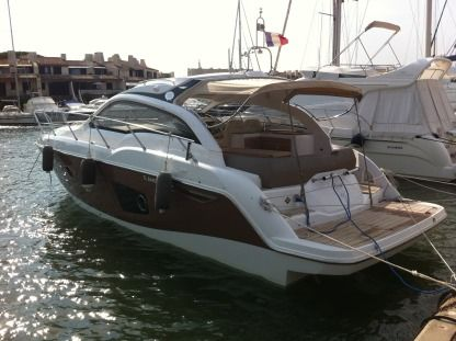 Charter Motorboat Sessa Marine C38 - Hard-Top Saint-Tropez
