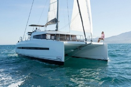 Hire Catamaran Bali 4.5 Split