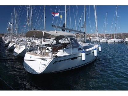 Charter Sailboat  Bavaria Cruiser 34 Punat