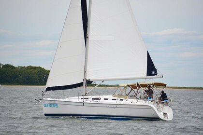 Charter Sailboat Hunter 38 Sag Harbor