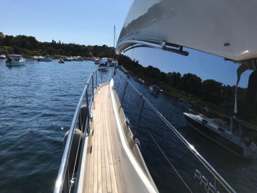 Jeanneau Prestige 500Fly in Saint-Raphaël for hire