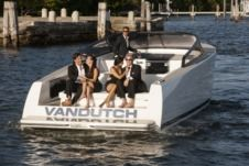 Charter Motorboat Vandutch 40 Cannes