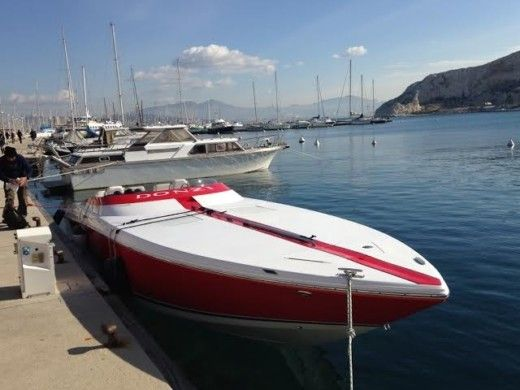 Donzi 35 Zr in Marseille peer-to-peer