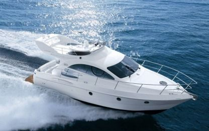 Charter Motorboat Azimut 39 Fly Νικήτη