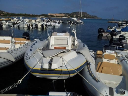 MARLIN 28' FB TOP 8,5m VERADO SCI 350 CV in Stintino zu vermieten
