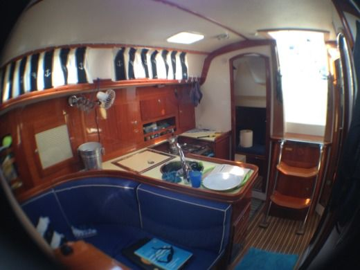 Hanse 371 in Venice for hire