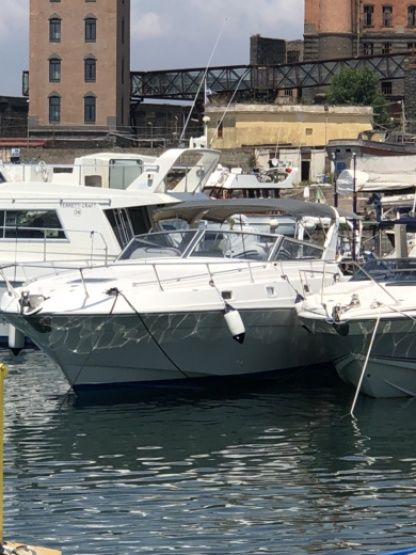 Charter Motorboat Fiart 35 Torre del Greco