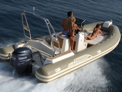 location capelli tempest 626 porto vecchio click boat. Black Bedroom Furniture Sets. Home Design Ideas