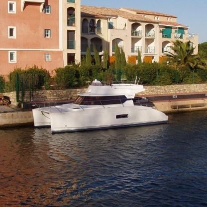 Charter Catamaran Fountaine Pajot Highland 35 Cogolin