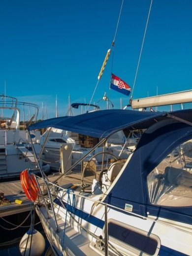 Sailboat Bavaria 32 for hire